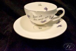 Čajový šálek Drobní Fialový Motýlci