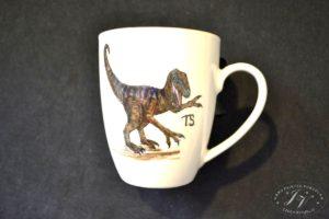 Koflík S Dinosaurem Monogram